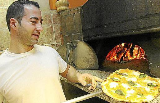 """MAHON. RESTAURANTES. Restaurante Pizzeria """" Casanova """" en el Puerto de Mahon."""