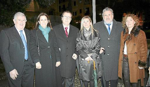Representantes de Foment Cultural con el alcalde de Ciutadella