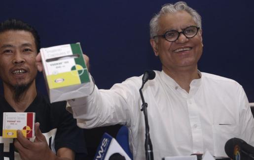 MAHON. POLITICA. JUAN MANUEL LAFUENTE, SIMON GORNES Y AGUEDA REYNES, POLITICOS DEL PP DE MAHON.
