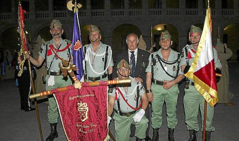 El mandatario saharaui con Santiago Tadeo  y otras personas relacionadas con la entidad