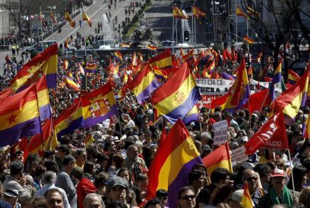 Ferrer, ayer en Asturias mostrando a «Es Diari» sus preciados premios