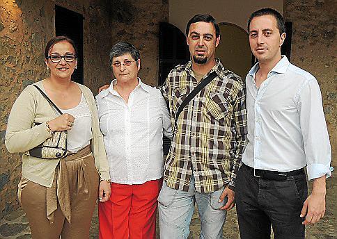 Los jovenes detenidos en Bunyola por protestar contra las políticas de José Ramón Bauzá en el año 2012 se enfrentan a una posibl