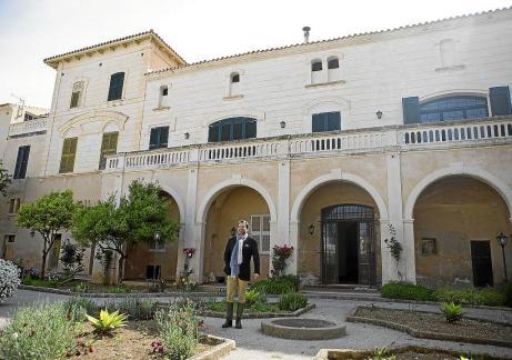 Berto Moll visitó ayer el Municipal de Sant Antoni. La que volverá a ser su casa deportiva