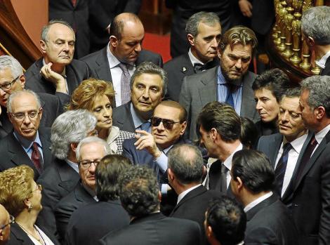 El candidato de Junts pel Si y presidente de la Generalitat en funciones, Artur Mas, durante una de sus réplicas en el pleno del Parlament de Cataluña, en la segunda jornada del debate de investidura .