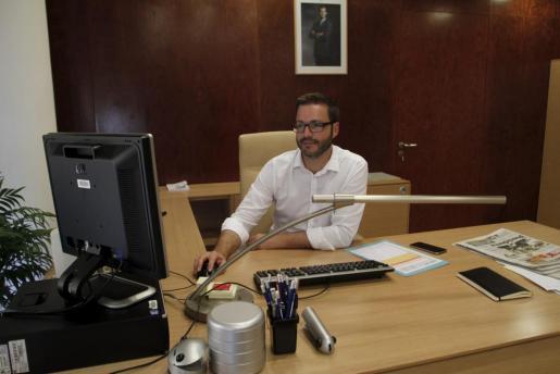 El secretario general, Pedro Sánchez, durante la reunión del Comité Federal del PSOE, máximo órgano del partido entre congresos, para fijar la postura del partido ante el escenario surgido de las elecciones generales y los posibles pactos que se puedan dar para formar gobierno