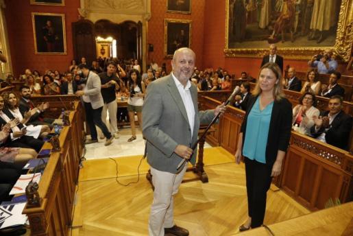 El expresidente de la Generalitat Jordi Pujol, que comparece como imputado por fraude fiscal y blanqueo de capitales, junto a su