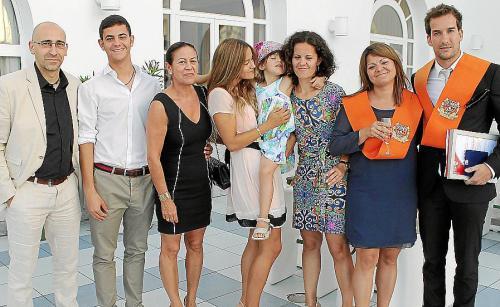 El presidente de ERC, Oriol Junqueras, junto a la secretaria general del partido, Marta Rovira, durante la Ejecutiva Nacional de ERC se ha reunido este lunes después de que este domingo el Consejo Nacional de la CUP decidiera no dar su apoyo a la investidura de Artur Mas