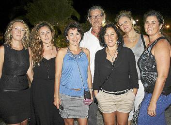 El mahonés, en Melilla, orgulloso con su preciado trofeo