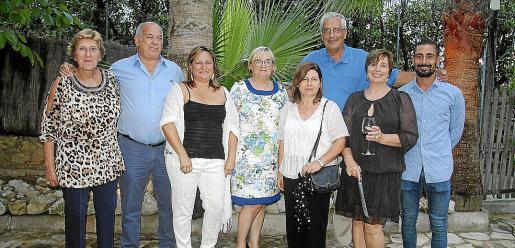 La primera caixera de Maó, descendiente de Rubió, en 1979 junto al Caixer Batle Guillermo Gardés.