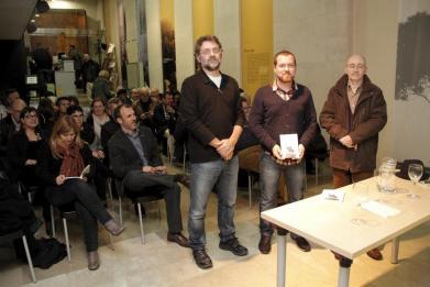 El caixer senyor, Lorenzo de Salort y Salort, en el centro de la imagen, presidió la reunión celebrada el último día para apuntarse