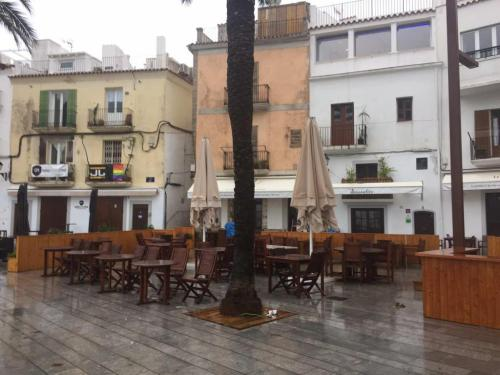 Los británicos tienen una triple influencia en Menorca como residentes, turistas e inversores.