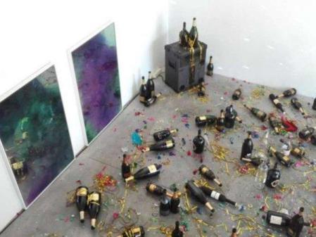 Toque artístico. Carlos Mascaró se ha inspirado en un motivo muy menorquín para pintar su silla