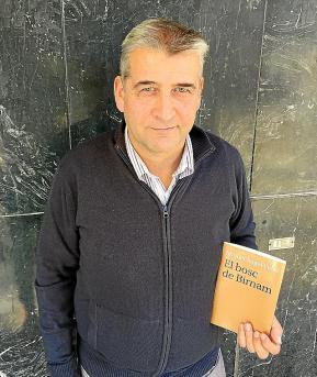 Mostrador de la botiga solidària de Mestral, guanyadora del primer premi