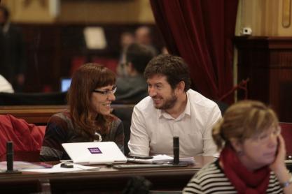 Josep Castells, durante una de sus intervenciones en el Parlament balear.