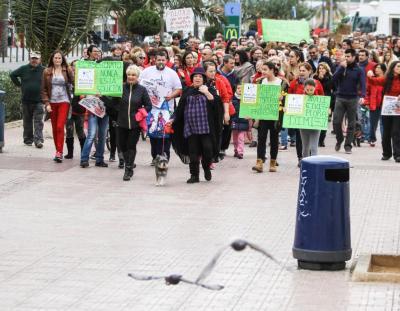 Imagen de Cala en Turqueta (Ciutadella), una de las más masificadas en el mes de agosto de 2016