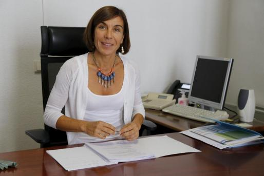 La presentadora Eva González ha ido presentando el menú y comentándolo con los invitados