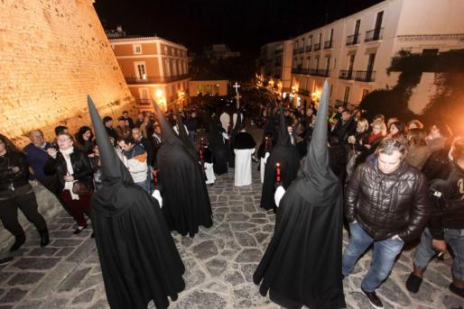 Será el segundo año en el que se colgarán carteles informativos en la terminal de Ciutadella sobre las prácticas aconsejables para Sant Joan.