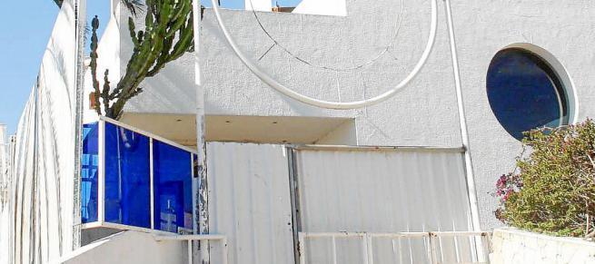 La decoració prenadalenca promoguda per l'Ajuntament i Ciutadella Antiga va començar a abrillar aquest dimarts als carrers de Ci