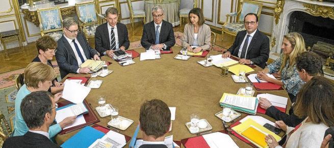 Imagen de las negociaciones de las izquierdas para el tripartito del Consell en 2015