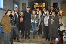 La primera acción pública contra las prospecciones reúne a 200 personas