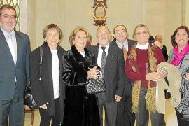 Que la pareja de hermanos gemelos Paco y Juanita Pons Tur...