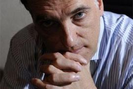 Un empresario se disculpa llorando por haber aceptado la Targeta Blava