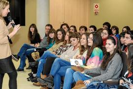 Madina se declara republicano y espera que PSOE debata sobre eso en el futuro