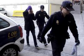 Detenido un pasajero por una falsa amenaza de bomba en un avión de Qatar Airways