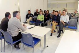 26 entidades piden a Santiago Tadeo una tarifa plana universal en cuatro rutas
