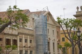 Las grandes cadenas copan los locales comerciales de los centros históricos