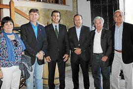 Que Esquerra de Menorca - Esquerra Unida se presente bajo siete siglas distintas...