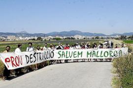 Protección Civil avisa de olas de hasta 5 metros en Balears