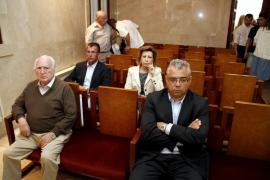 Ruiz Mateos está ingresado en la UCI de un hospital madrileño