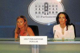 """200 personas se manifiestan en Maó porque """"así no se sale de la crisis"""""""