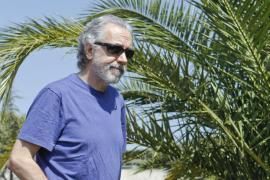 QUE el programa «Cuarto Milenio», que conduce Iker Jiménez, tratara el domingo de la presencia de tiburones...