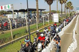 Que durante buena parte de la tarde del viernes estuviera cerrado al tráfico un carril de un tramo de la Contramurada...