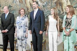 Que el Ayuntamiento de Maó haya recuperado el auca que se diseñó en 1990 con motivo del centenario de las Festes de Gràcia...