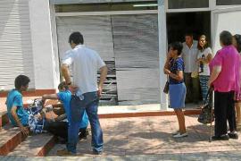 Armengol y Gómez, orgullosas por haber devuelto 600 tarjetas sanitarias a inmigrantes