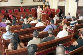 La equipación reserva del Avarca de Menorca 2015-16, homenaje a la Isla y al Consell
