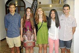 El fiscal pide 12 años para el hombre que apuñaló a una camarera en Ciutadella