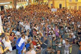 El PSOE cierra filas con el PSM y vota en contra de los duques de alba
