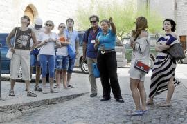 Tres turoperadores muestran interés por traer turistas senior europeos en invierno