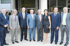 El Parlament catalán suspende temporalmente la tramitación de la resolución de JxSí y la CUP