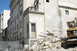 La terrorista que se inmoló en Saint Denis no leía el Corán, bebía alcohol y fumaba
