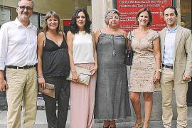 El Hospital Mateu Orfila coloca una prótesis de rodilla con apoyo informático