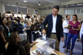 Menorca Mao Sede IBAVI visita deshauciados de Ciutadella Joan Hitar y