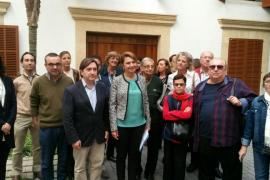 Rajoy, increpado por una mujer en Sóller: «¡Partido de corruptos!»