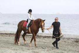 La insularidad encarece los costes en más de un 20 por ciento en Menorca