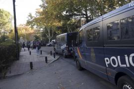 El joven quemado en la gasolinera de Ciutadella permanece estable en Barcelona