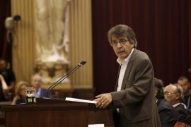 Costas no autorizó la ocupación de Cavalleria con sombrillas y hamacas